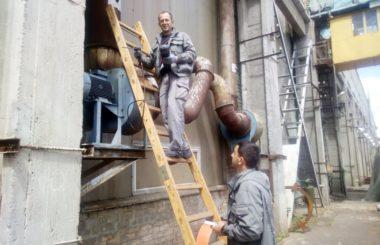Отбор проб промышленных выбросов на территории предприятия ОАО «Волгограднефтемаш» специалистами филиала ЦЛАТИ по Волгоградской области.